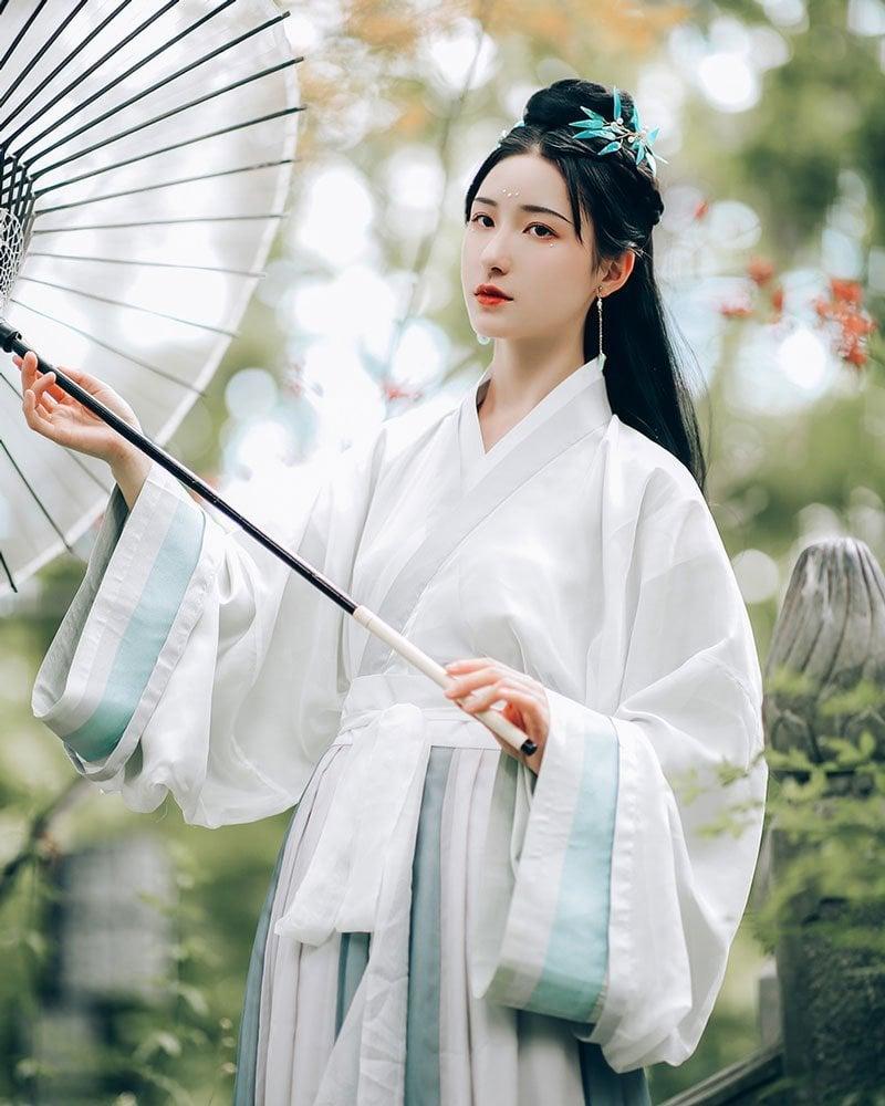 More People Like to Join Hanfu Fashion