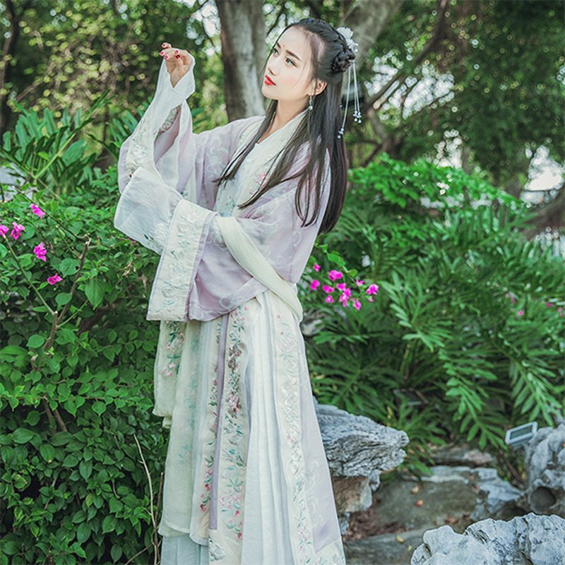 The Origin and Current Situation of Hanfu 2