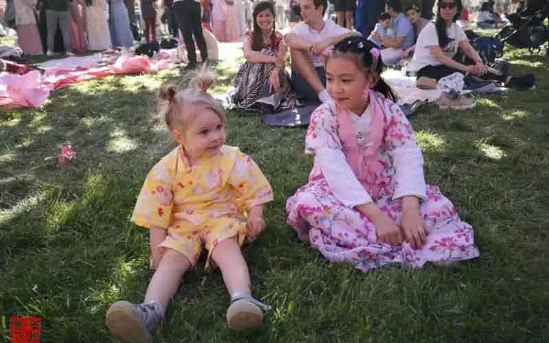 A Hanfu Festival in France