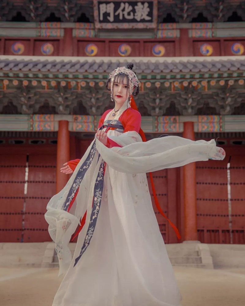 Do You Want Wear Hanfu Travel Around the World korea?