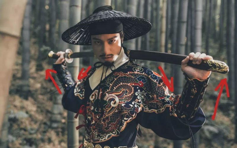 10 Postures that Take Handsome Hanfu Pictures