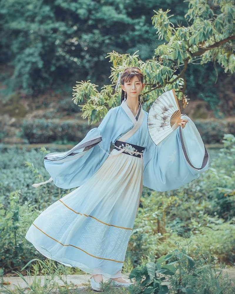 35 Best How to Pose for Hanfu Pictures