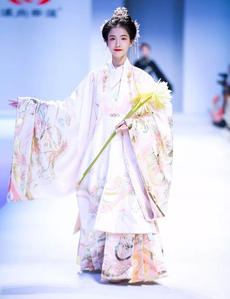 Hanfu Activities | Chinese Fashion Show & Latest Style of Hanfu
