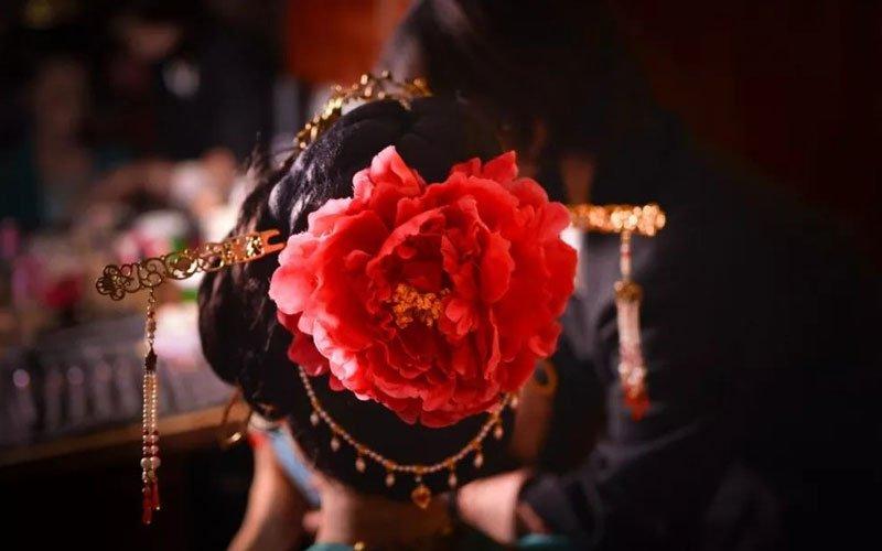 Introduction of Chinese Traditional Hanfu Wedding