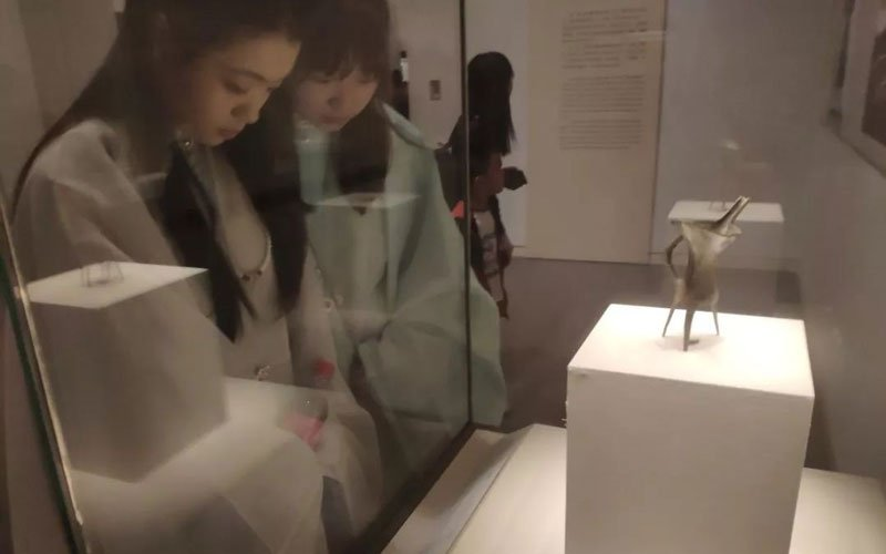 How Ancient Chinese Clothing & Millennials Get Integration?