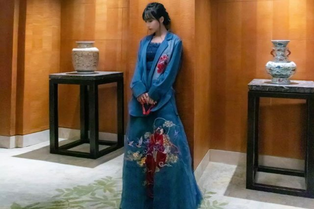Li Ziqi wear hanfu dress