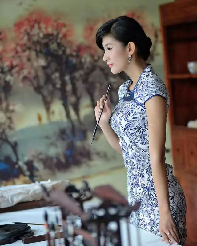 The 5 Most Popular Styles of Oriental Dress, Clothing - Asian Robe - Cheongsam