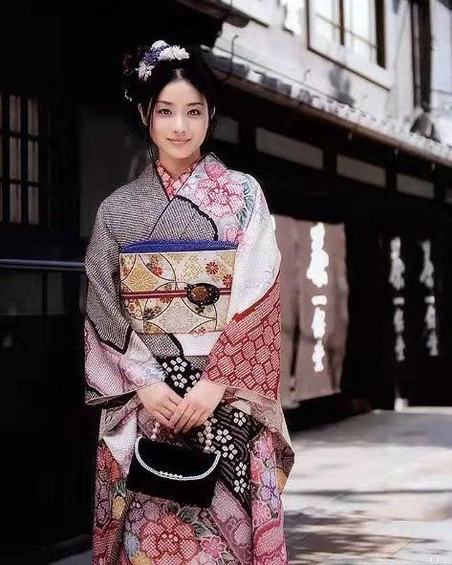 Oriental Dress kimono