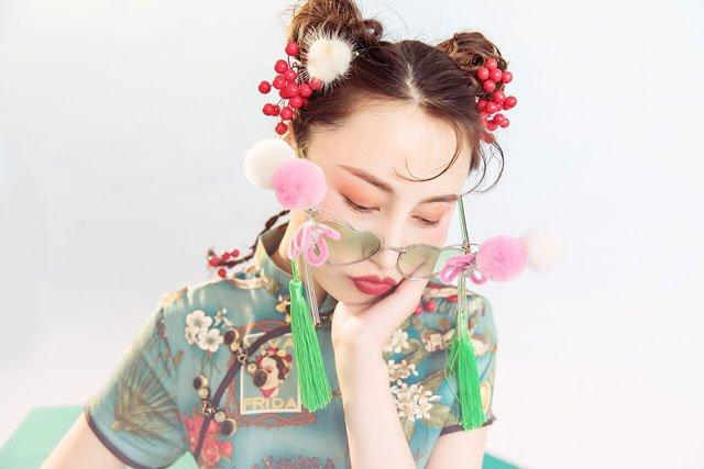 chinese women love fashion qipao