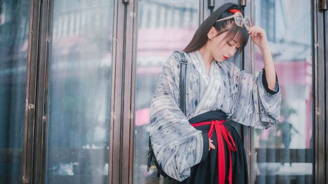 Modern Hanfu clothing