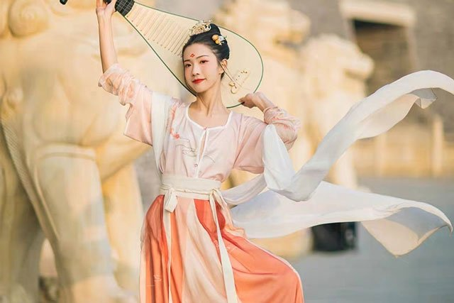 tang dynasty female hanfu clothing