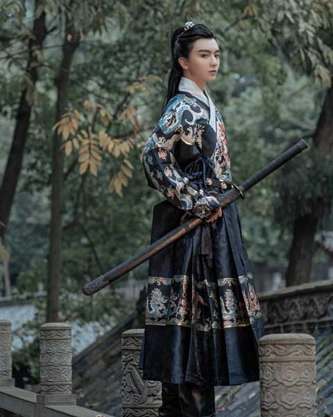 male traditional chinese clothing feiyufu