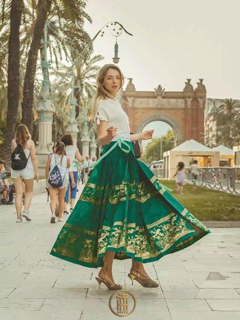 Hanfu Fashion Street Photo in Barcelona