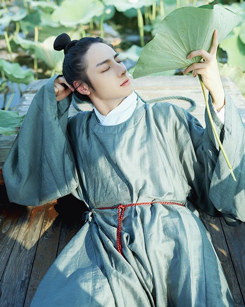 How to Choose Hanfu in Spring