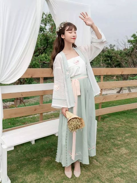 How to Choose a Suitable Hanfu - Girl's Clothes Guide