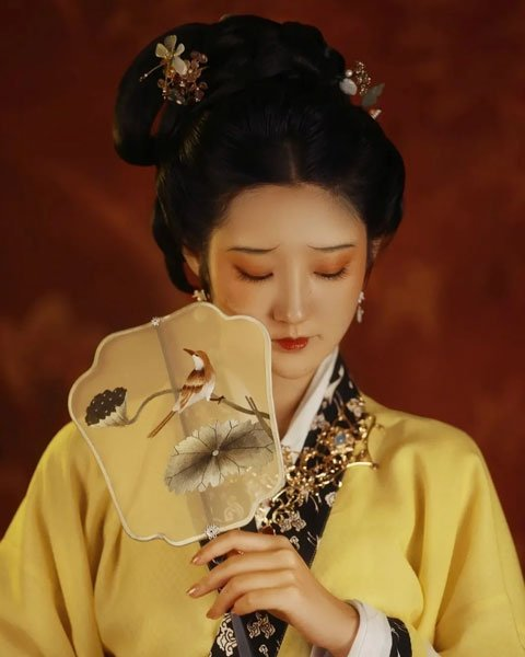 How to Take Hanfu Picture Easily at Home?
