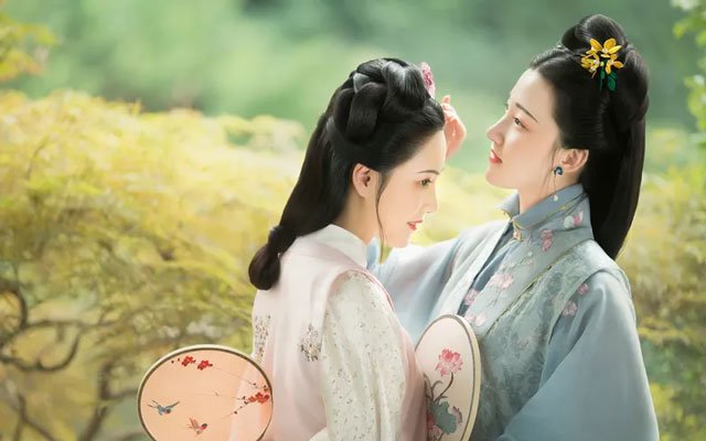 3 Exquisite Ming Dynasty Hanfu Girl