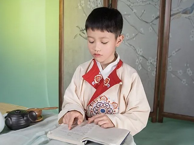 How to Choose One Genuine Chinese Costumes for Children