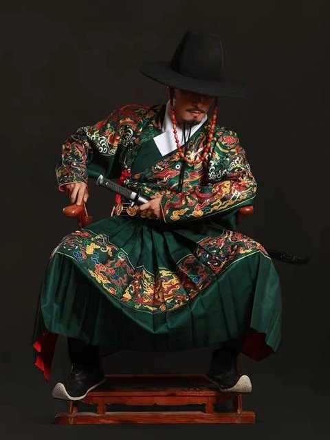 Men's Clothing China   How to Pick One Dazzling Hanfu for Men