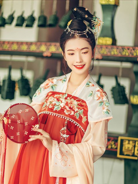 Hanfu Dressing Tutorial - How to Wear a Hezi