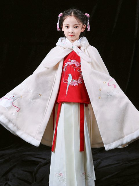 How to Chose Pretty Chinese New Year Traditional Clothing for Festival