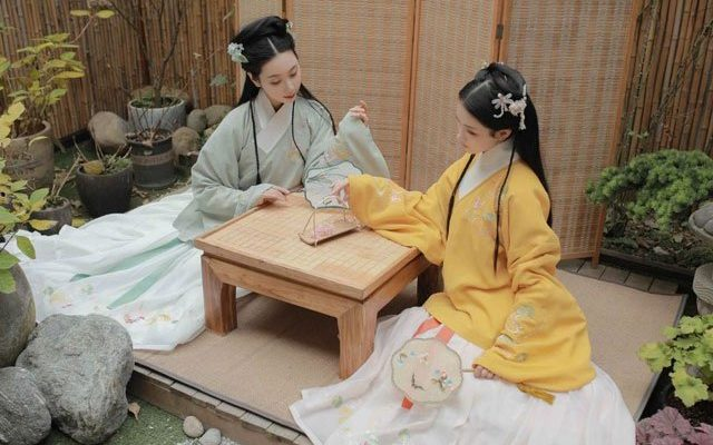 How to Take Care of Your Hanfu (Clean & Storage)