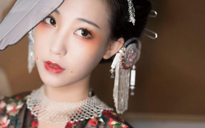2020 Beautiful Makeup Tutorials for Ancient Chinese Dresses