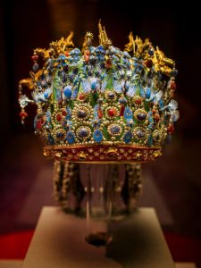 Chinese Dress Accessories:The Cruelty & Beauty of Tian-tsui