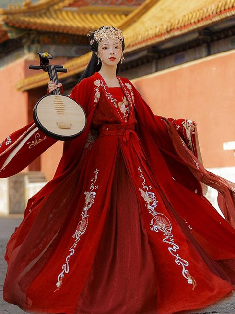 12 Most Beautiful Traditional Chinese Wedding Dresses 1