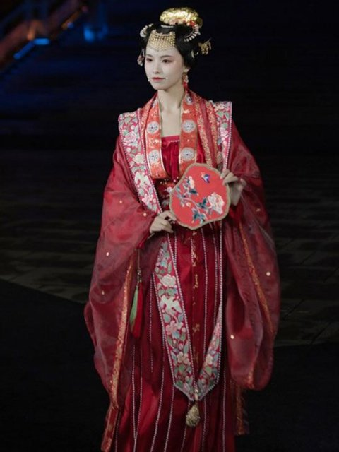 12 Most Beautiful Traditional Chinese Wedding Dresses 2