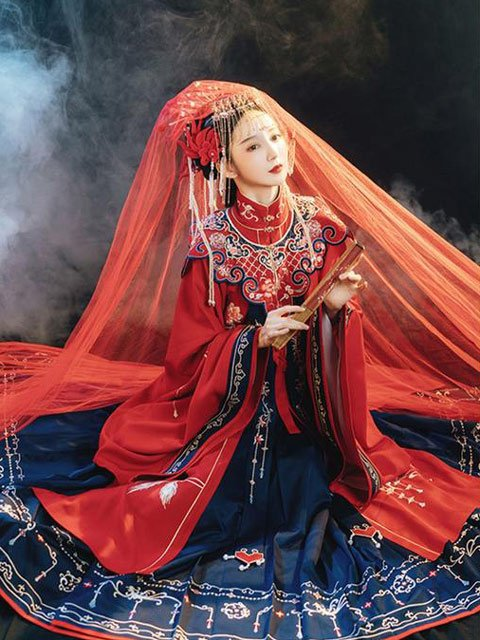 12 Most Beautiful Traditional Chinese Wedding Dresses 4