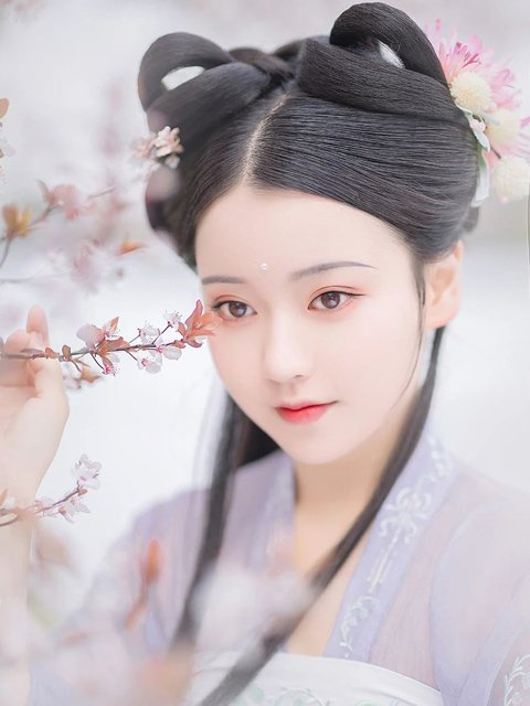 2020 Beautiful Hanfu Photography | Looking Forward to the Flowering Season