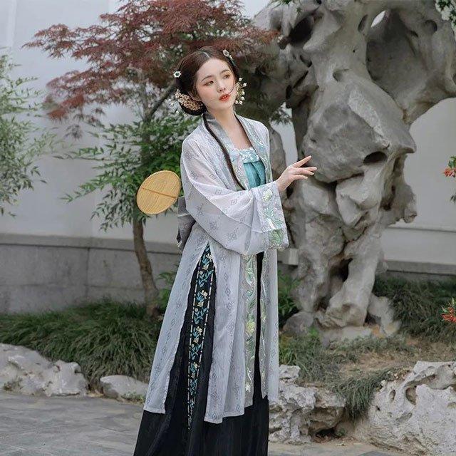 2020 Unlock Many Ways to Wear a Beautiful Chinese Costume