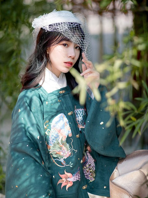 East Meets West - Hanfu Mix-Match Dressing Tips