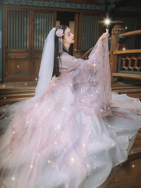 5 Adorable Pink Hanfu You'll Want to Wear