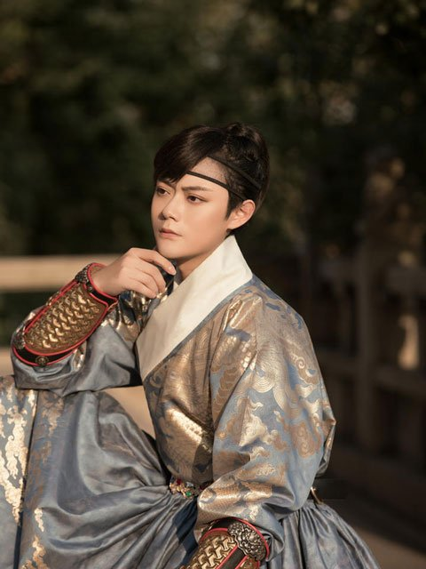 From Hanfu Photographer to Hanfu KOL: What Make Him Better?