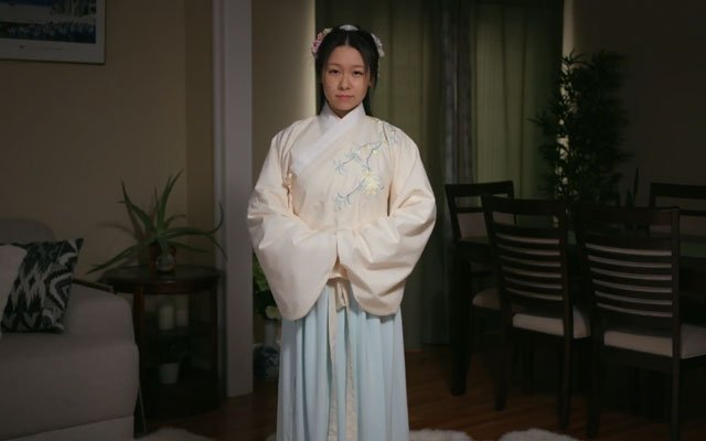 How to Wear Hanfu (7): Ming Dynasty Jiaoling Aoqun