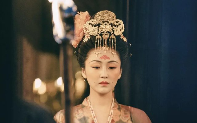 Huadian - A Special Hanfu Makeup for Female