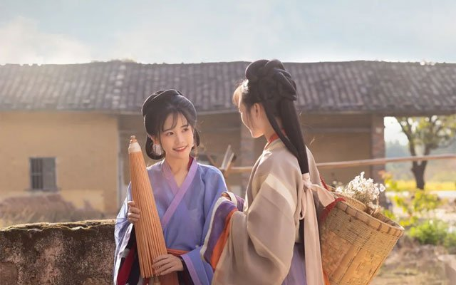 Harvest Autumn & Hanfu Girls