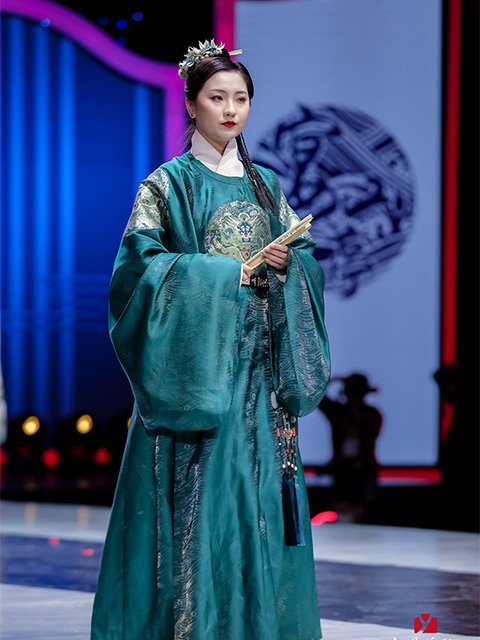 Live photos of Chinese National Costume Day on December 5