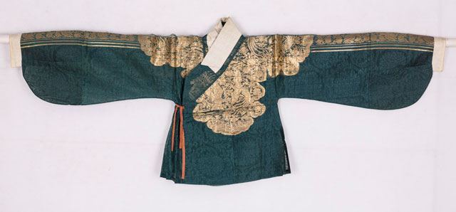 How Many Parts Does a Hanfu Upper Garment Consist Of?