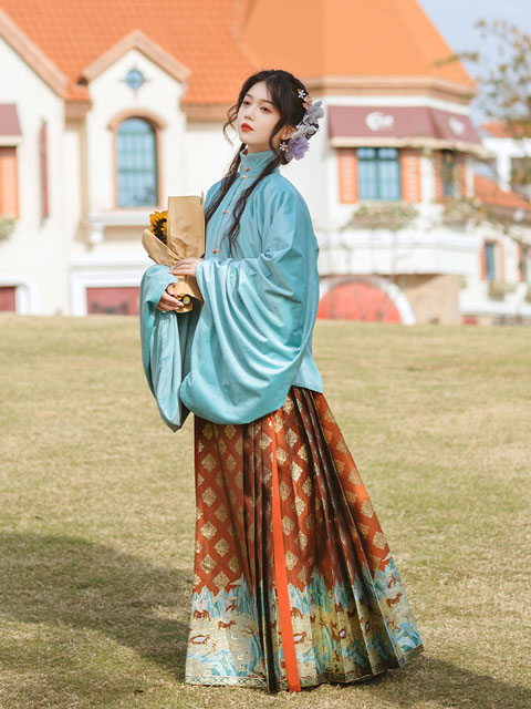 How to Make Red Hanfu Look Great in the New Year