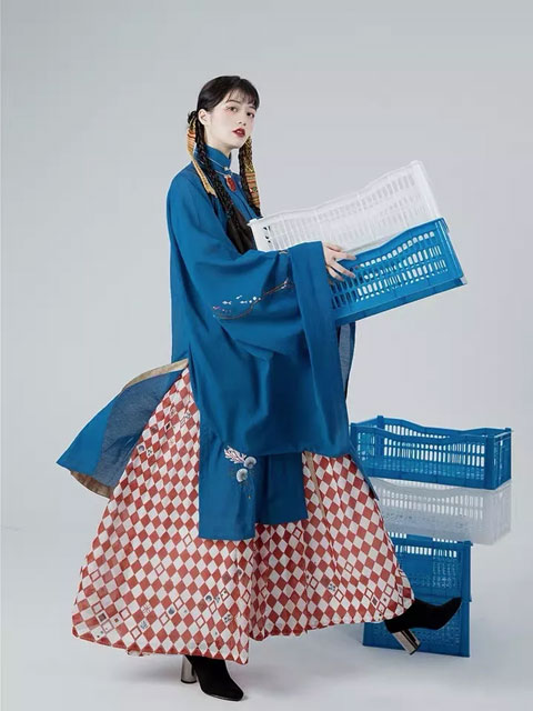 How to Match Boots for Hanfu in Winter?