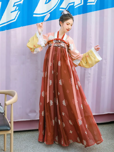 5 Recommended Girls Hanfu Suits for Chinese New Year