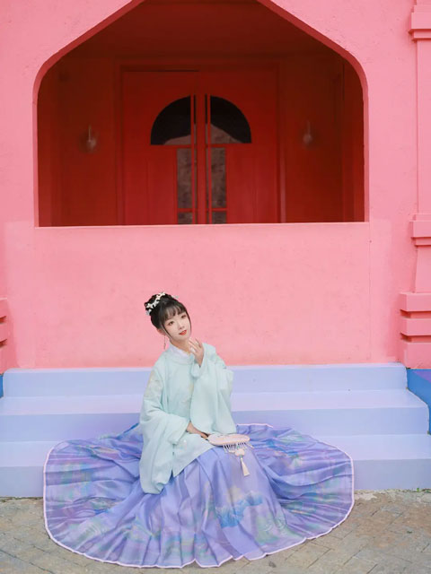 8 Examples of Common Fabrics Used in Hanfu Making