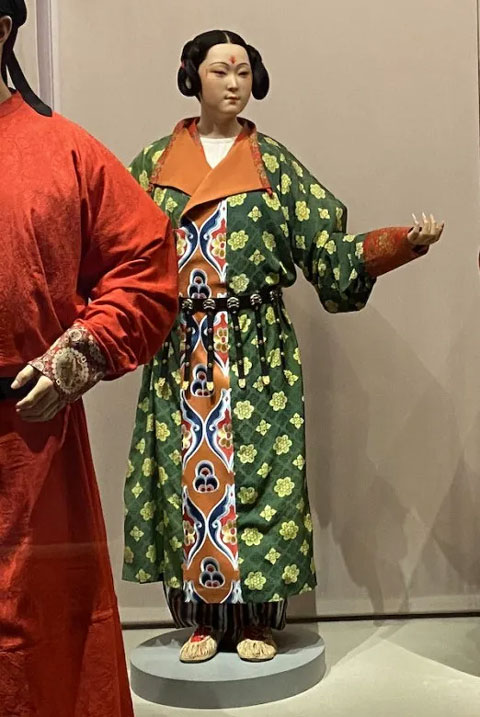 Changes in Ancient Chinese Women's Hanfu Clothing