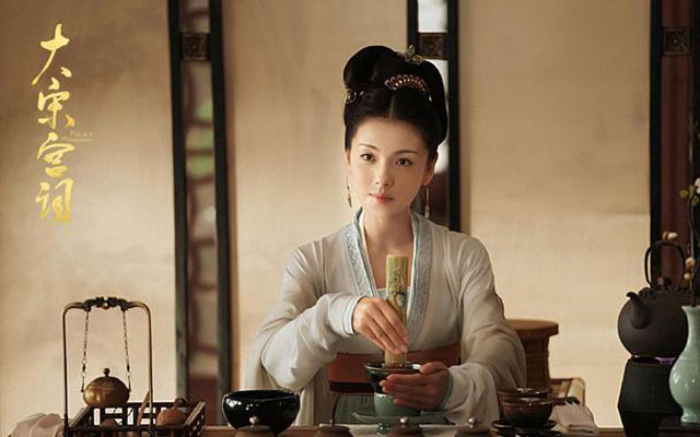 Typical Chinese Clothing in Palace of Devotion: Song Hanfu