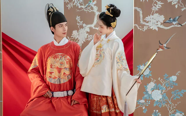 Who Is the First Person to Start a Hanfu Store in China?