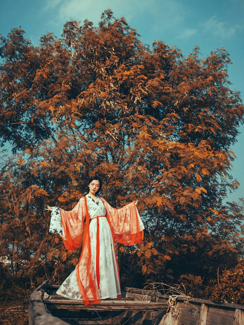 My Story with Hanfu - Camille