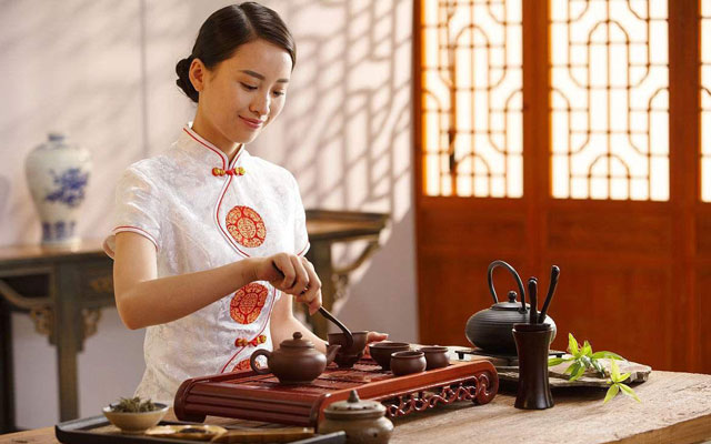 How to Eat in China: 5 Chinese Cuisine Tips for Gourmets